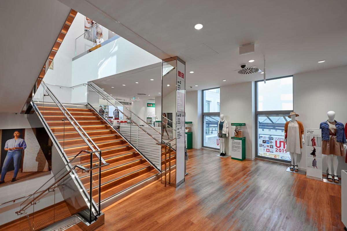 Uniqlo-escalier